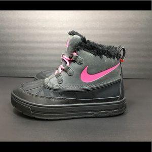 Nike Woodside Chukka 2 Big Kids Sz  5 Youth